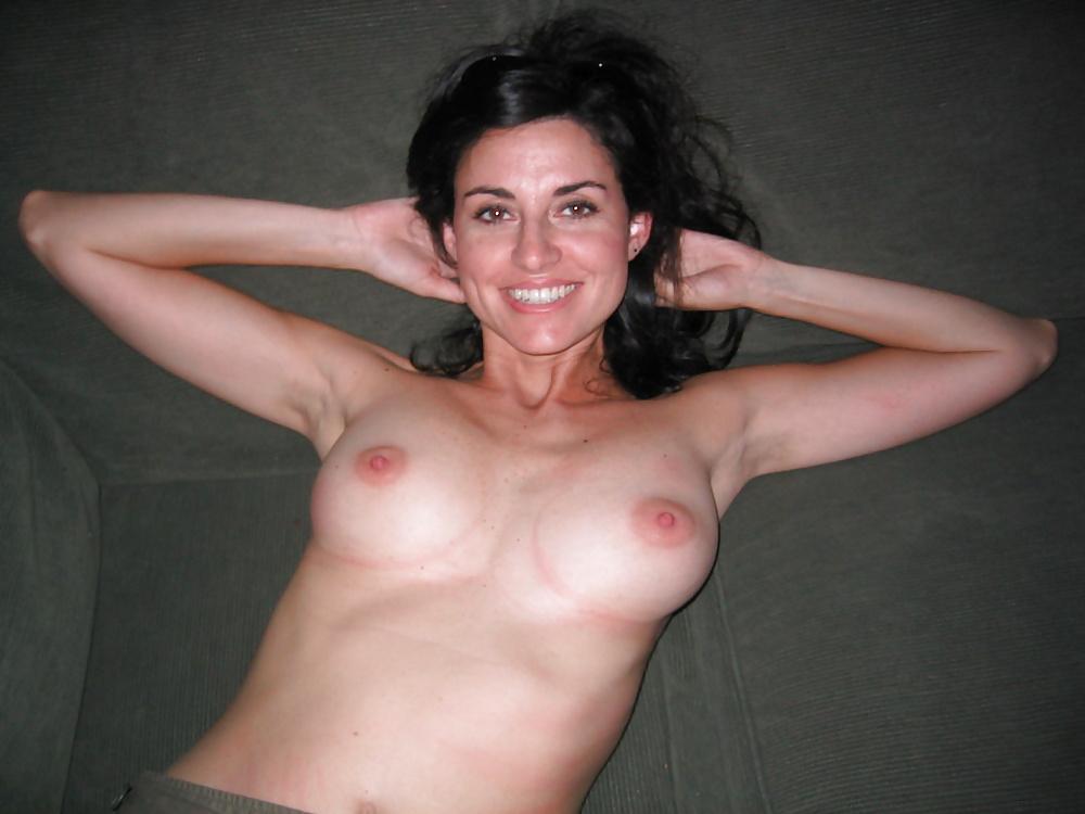 linda-naked-cadellini