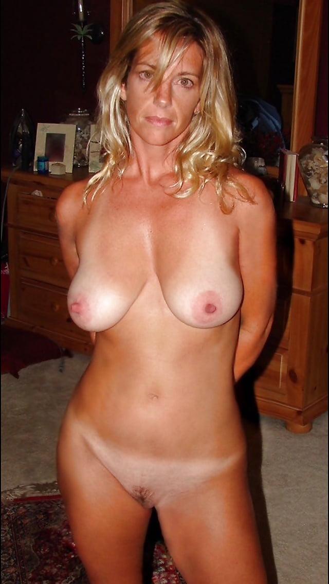 amature-wife-nude-tan-lines-allen