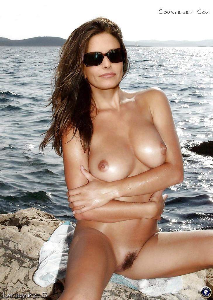 Courteney Cox Naked Pics