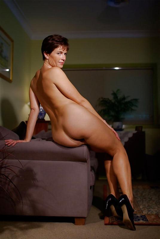 Sexy short haired milf masturbating cocks