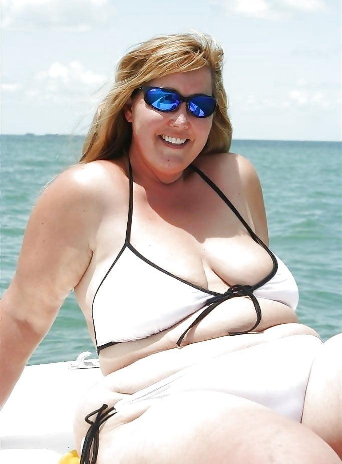 portman-plump-mature-bikini-nude-gymnast
