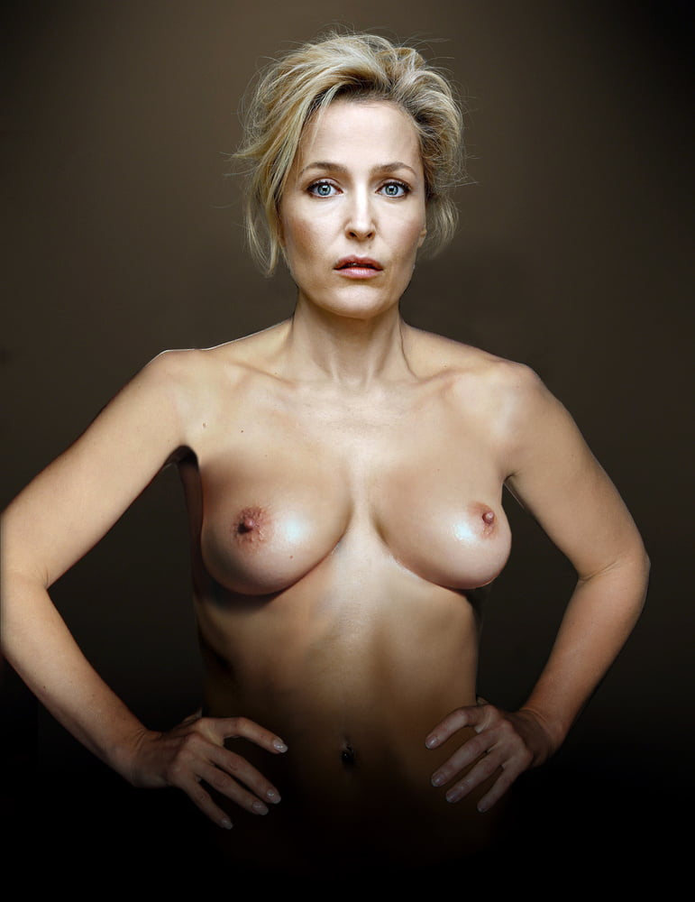 nude-pic-gillian-anderson-little-pussy