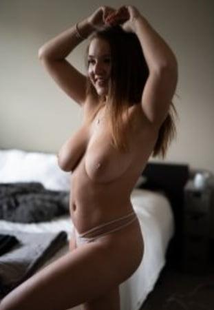 Kendra Rowe Nude