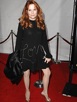 Naked pictures of lea thompson