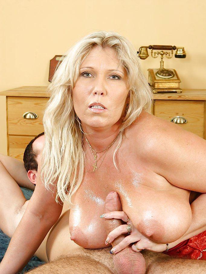 Королева делает сисястые старые бляди порно фото фото баб