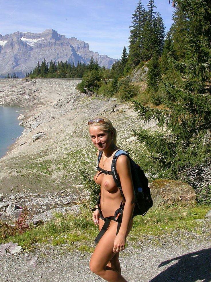 girls-naked-hiking