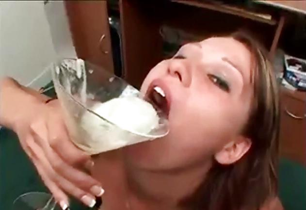 она минут девчонки пьют сперму фото конечной