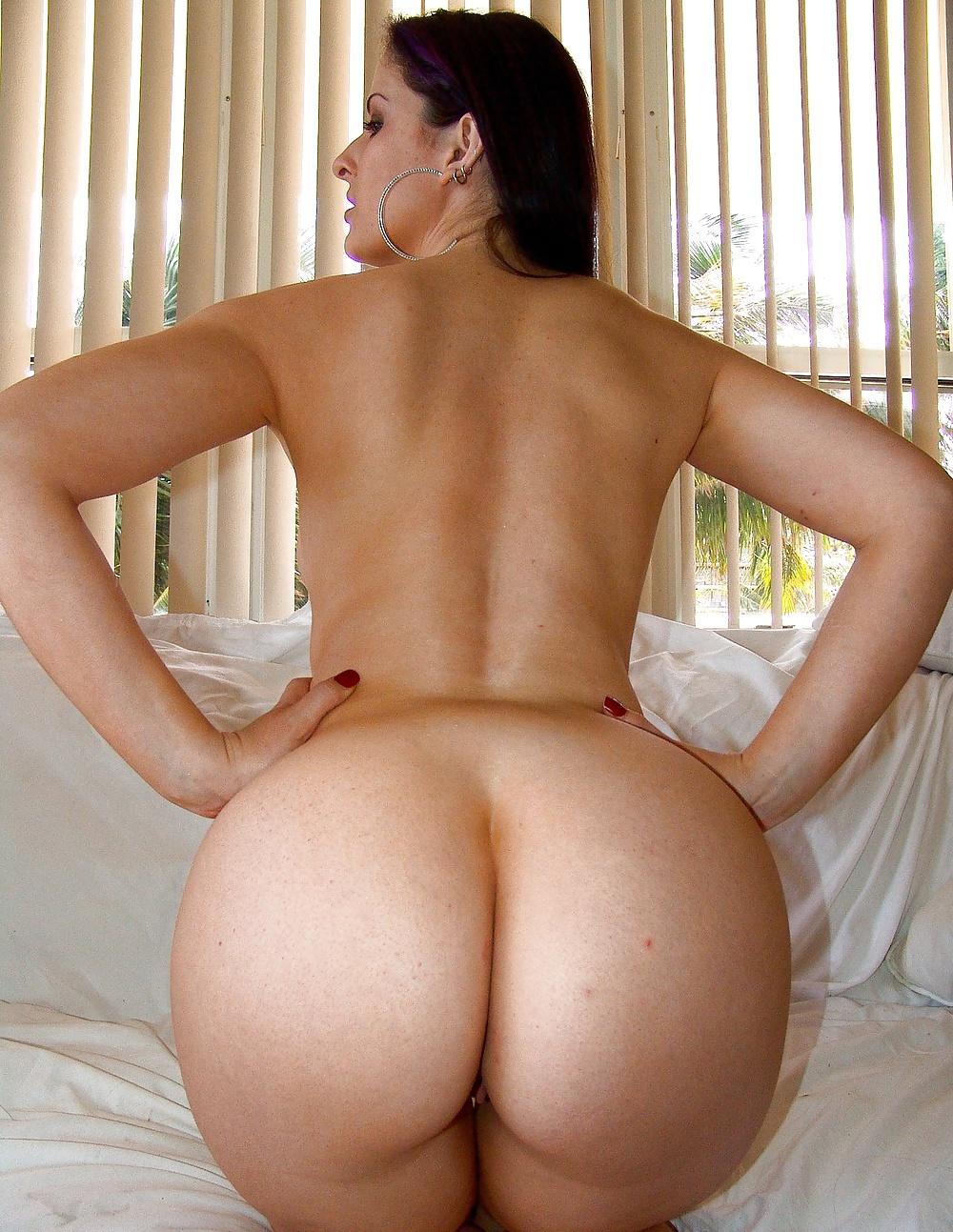 Round Ass Milf Porn Star Brandi Love Screwed