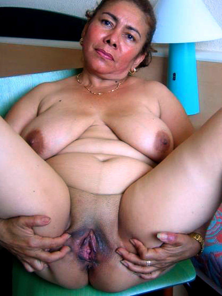 Fat ugly loose pussy