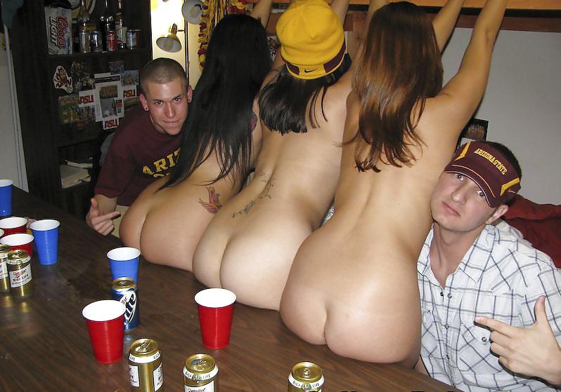 Попок смотреть фото голых на пьяных девчат порно