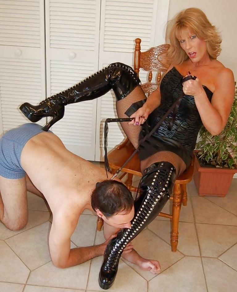 Mature foot mistress