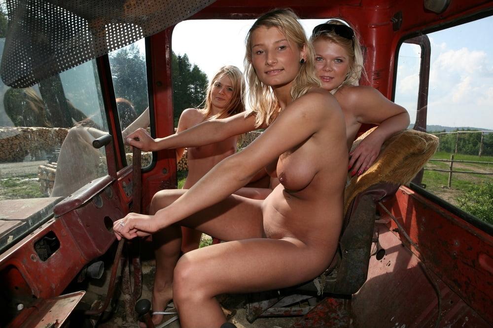 Видео порно деревне на тракторе #2