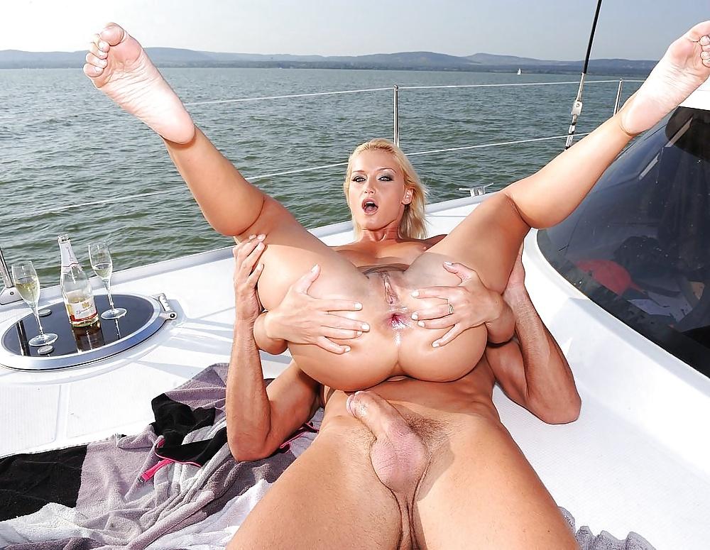проводочки идут видео про секс в на корабле мой взгляд