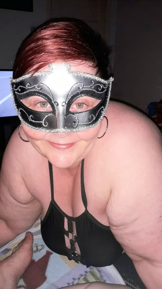 Masked she blows me - 32 Pics