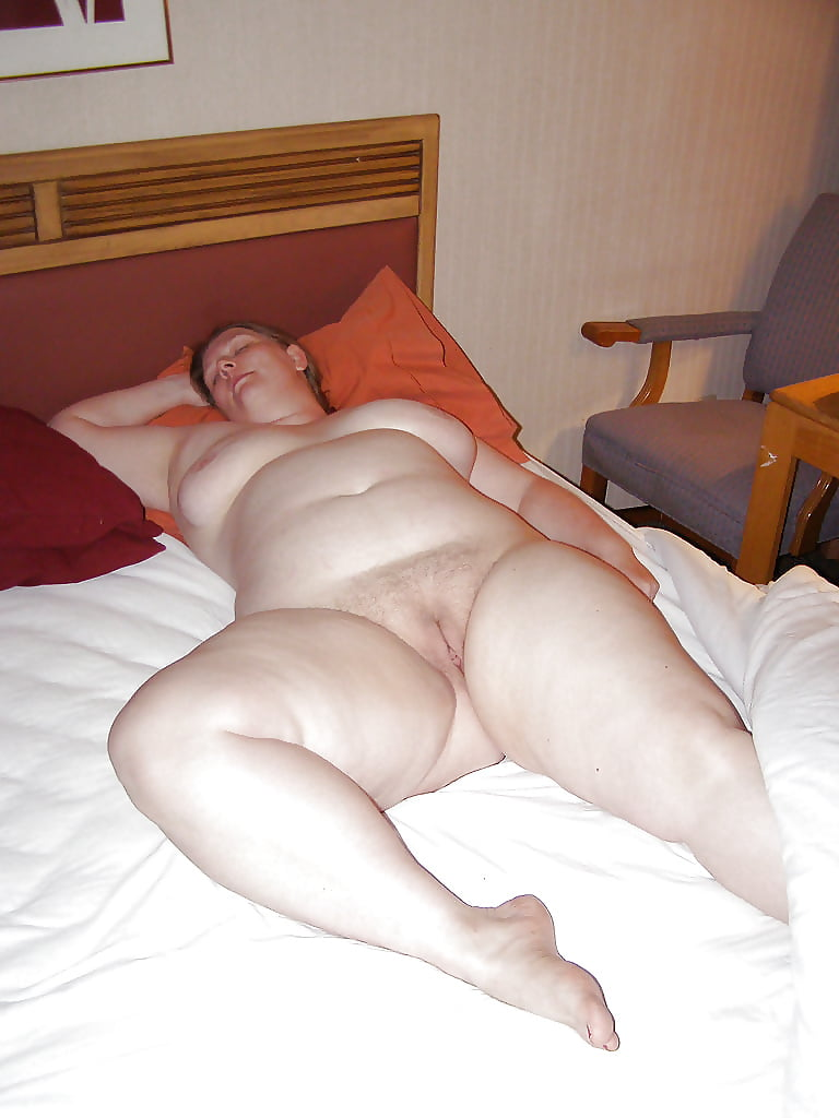 Fat women sleeping sex image — pic 4