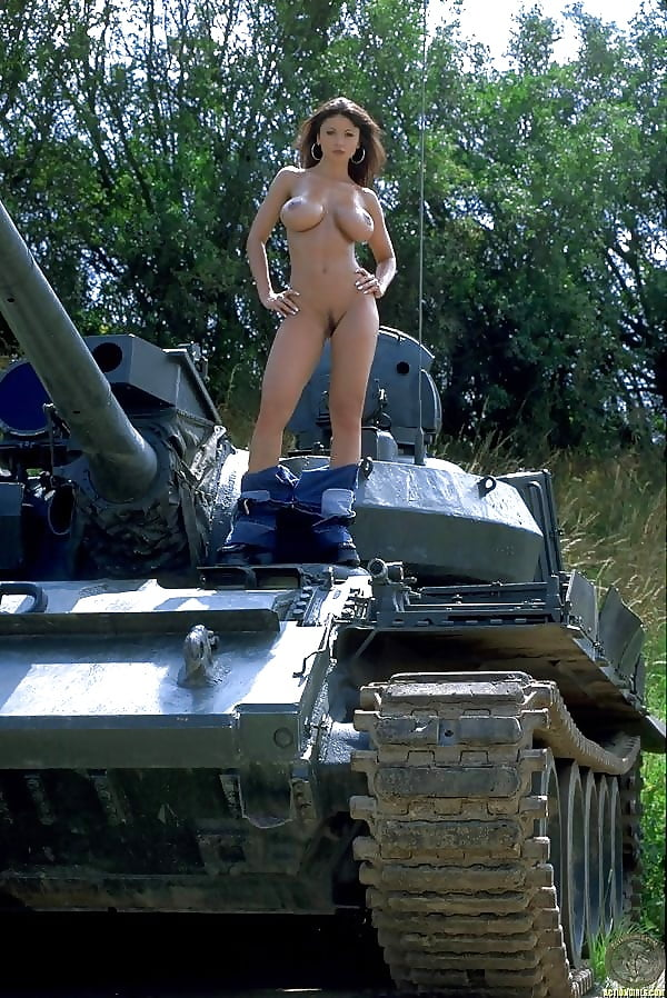 tank-ride-nude-wives-naked-photos-of-amatuer-women