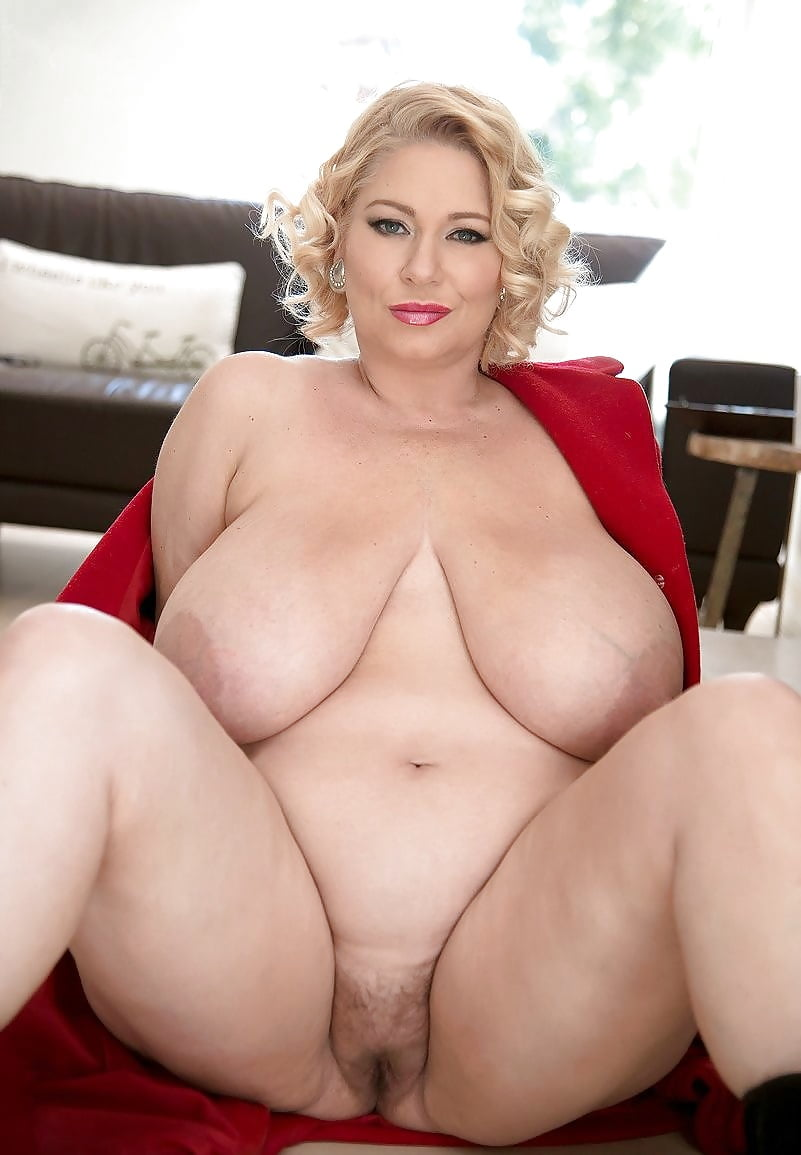 Mature xl naked — pic 12