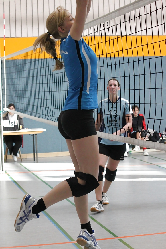 Women volleyball players nude