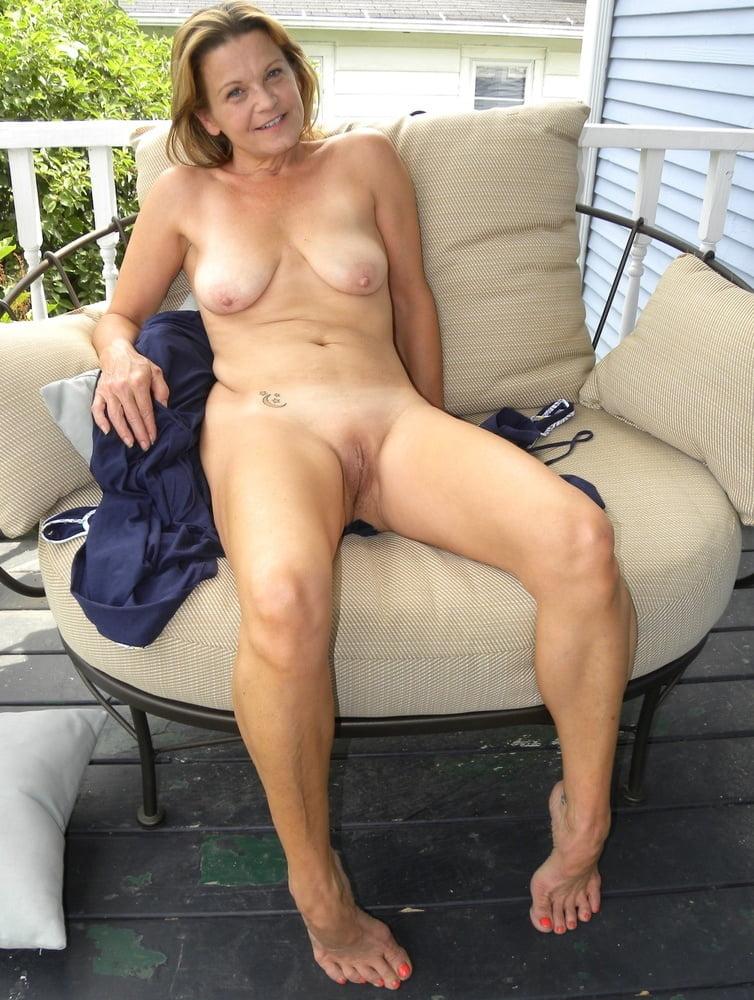 Wife Amateur Aloneamateur Granny Ftvhunter 1