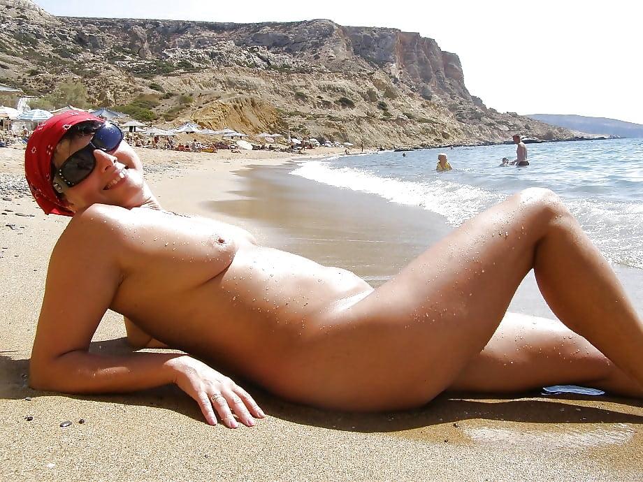 naked-cretan-women