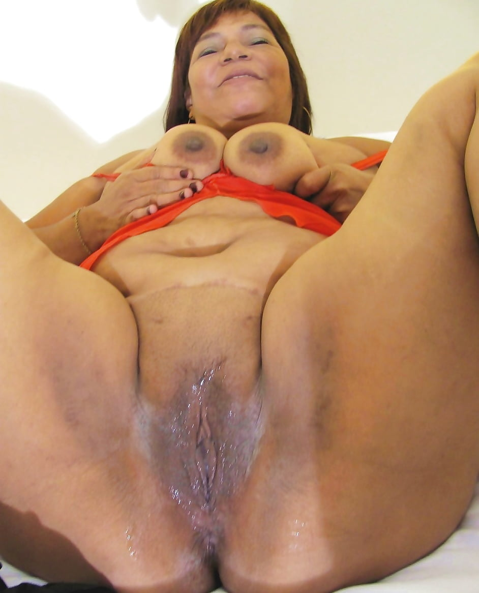 Fat bbw moms pussy playing free xxx galeries