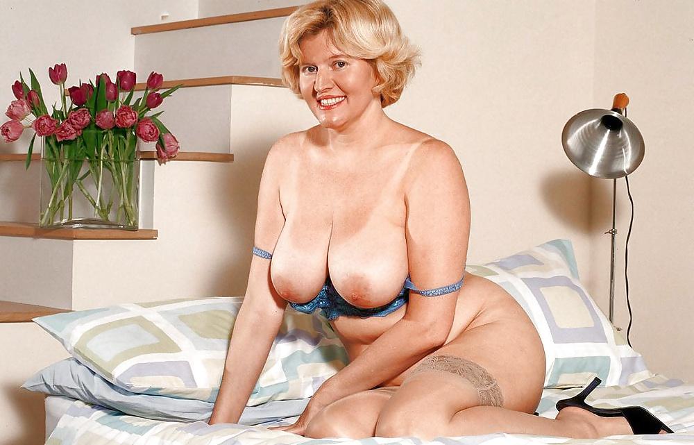 Busty older tgp woman