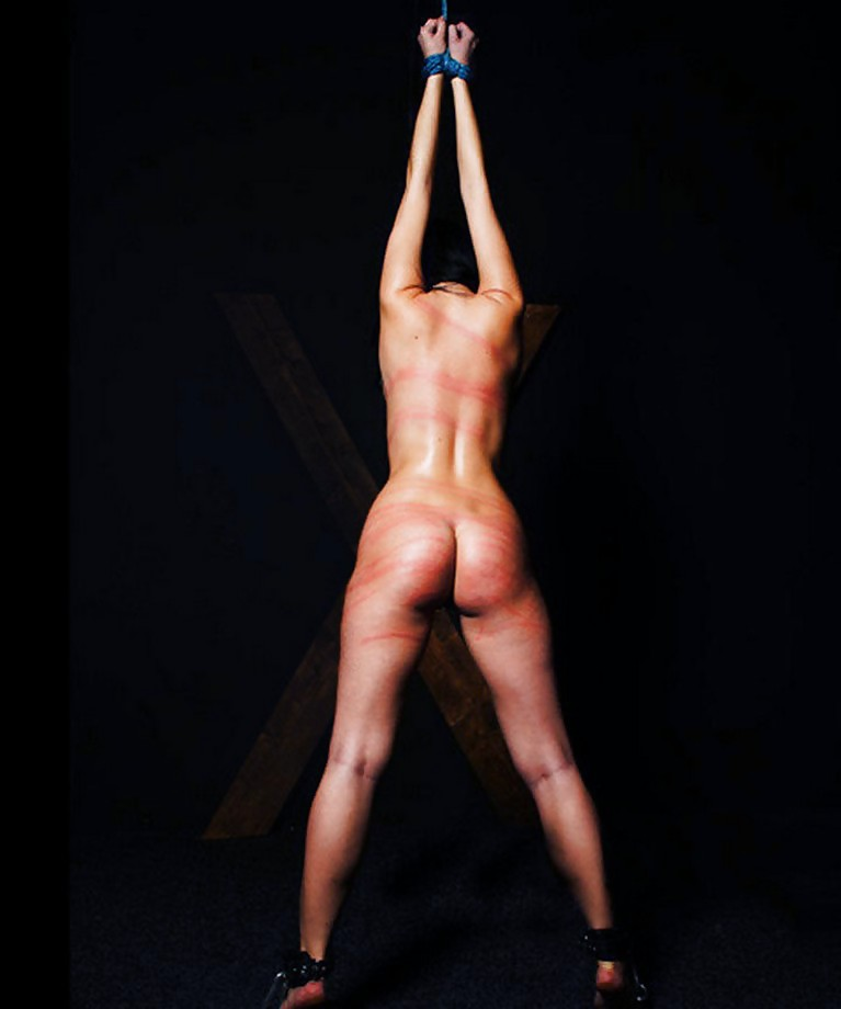 girls-fucked-nude-woman-being-flogged
