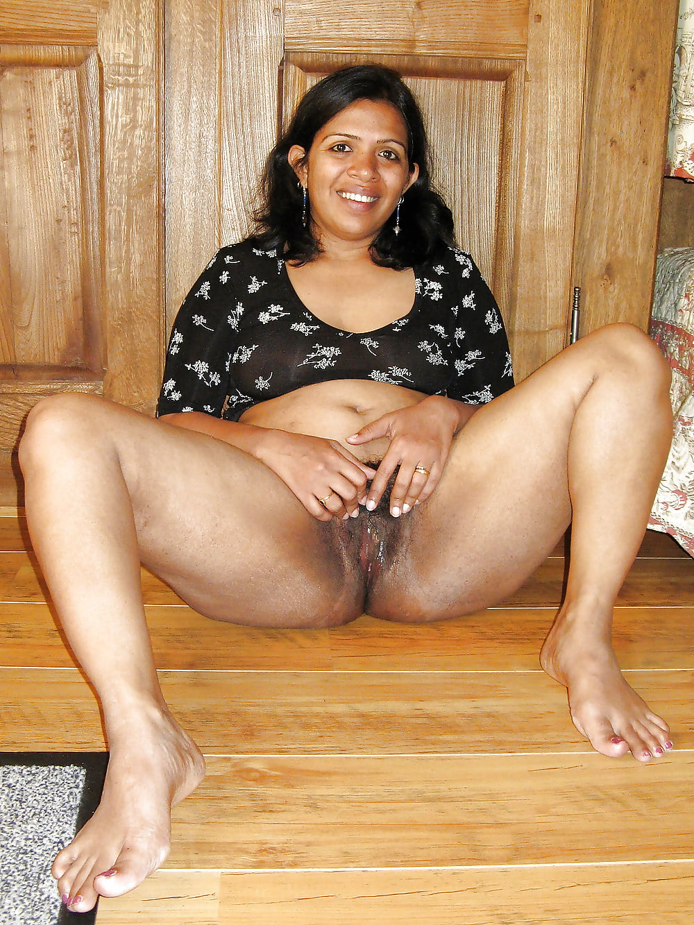 Horny Indian Milf Flashing - 18 Pics  Xhamster-8389