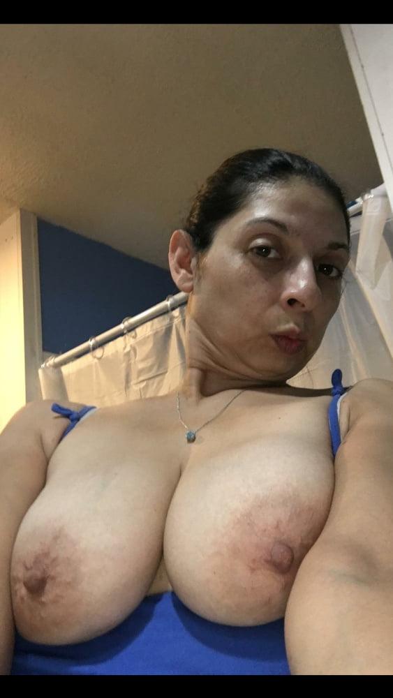 Home vizeter amateur women with big tits
