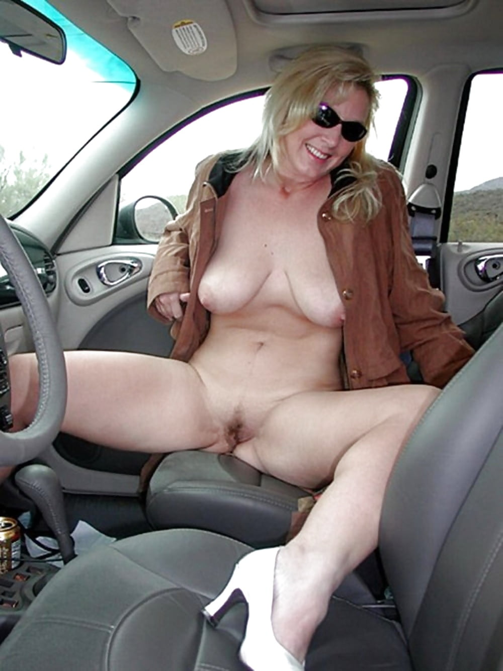 Solo female masturbation car