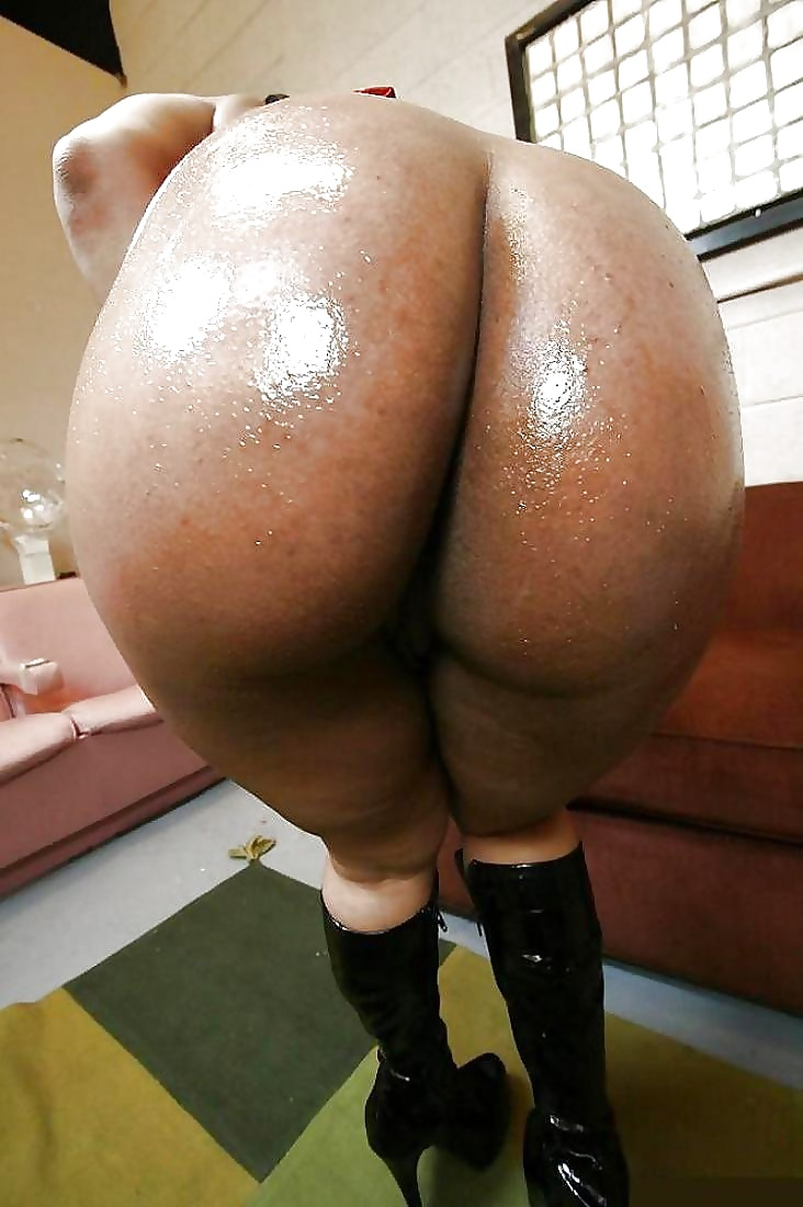 Nude big fat bootys in pussy stretch