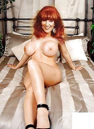 hot girls naked girls