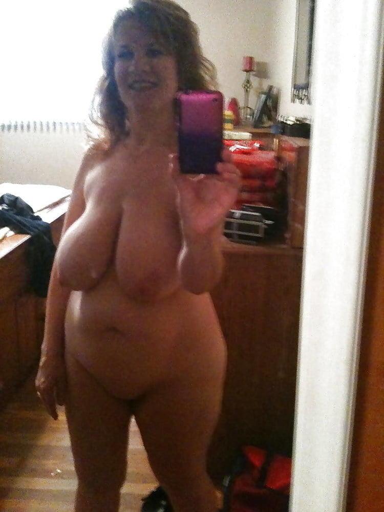 Hot pictures Milf gets huge creampie