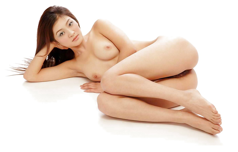 Chinese girl gets tricked naked and manipulated into doing a bikini photo