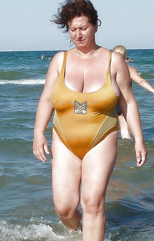 Amature nude photos of amanda christian