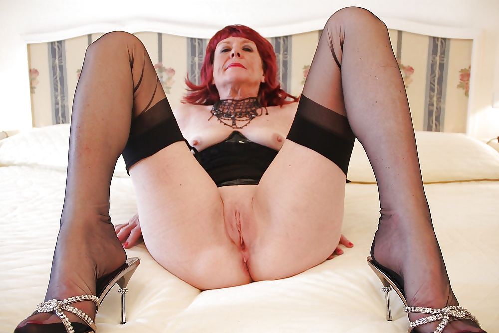 free-thumbs-granny-pussy-whore-stockings