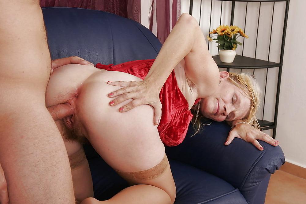 Порно с тетками раком 15