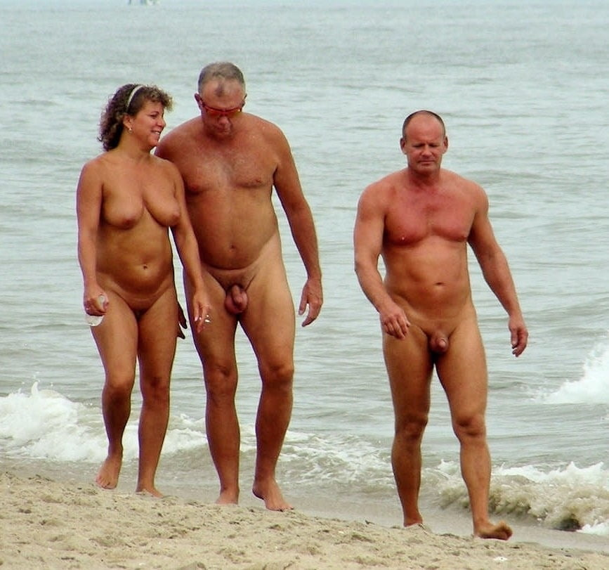 ladies-naked-dad-on-beach-naked-lesbian
