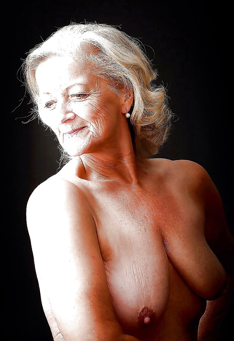 hot-sexy-old-woman-photo-naked-black-jailbait