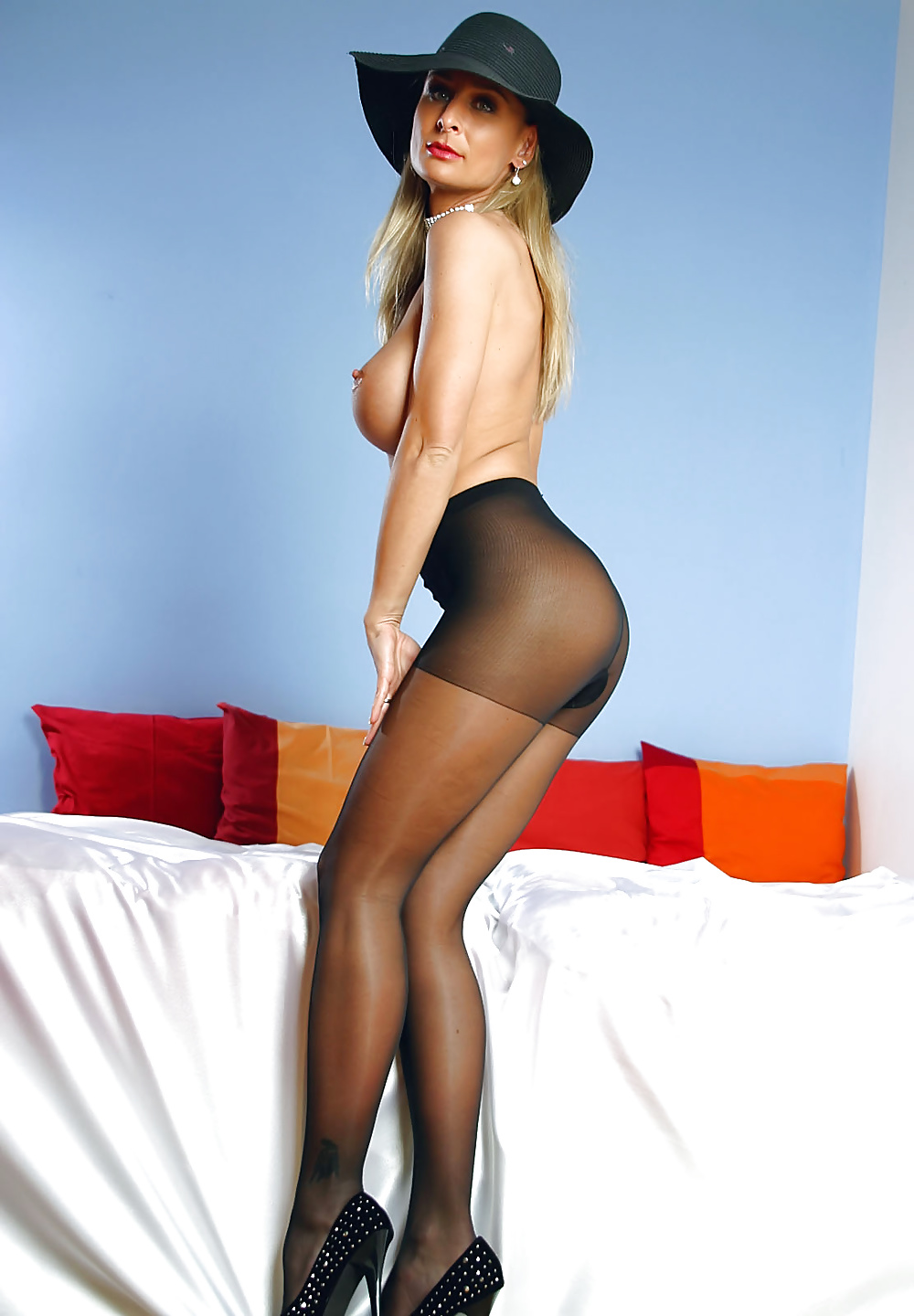 Sexy pantyhose from — pic 3