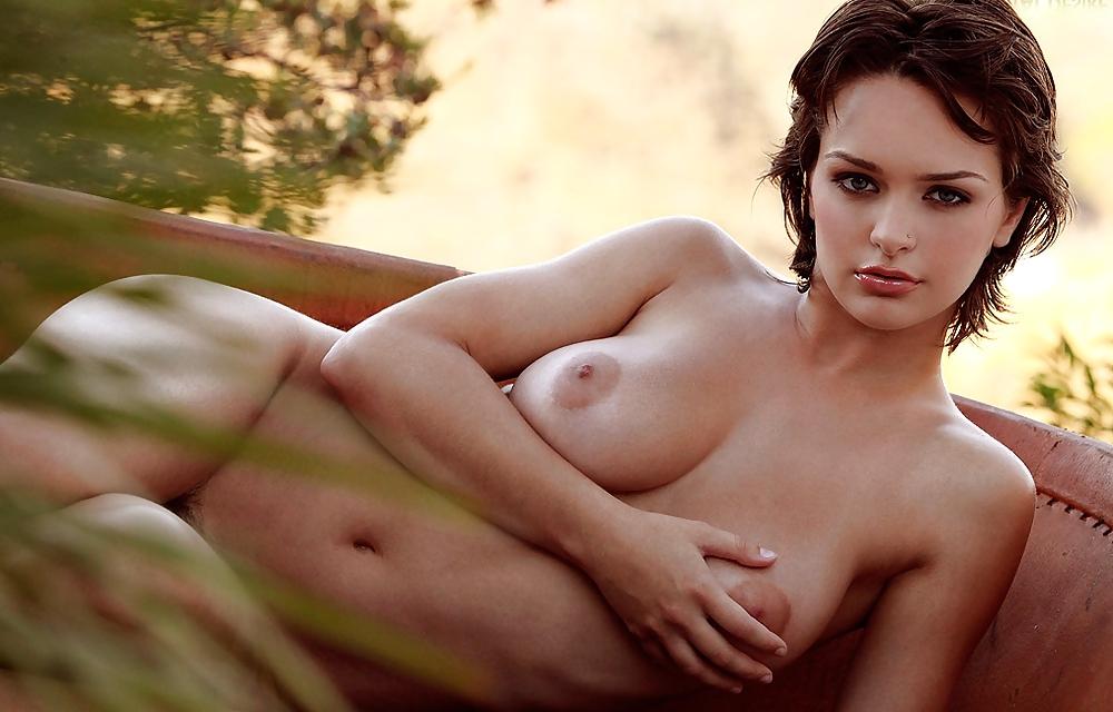 sexy-naked-bush