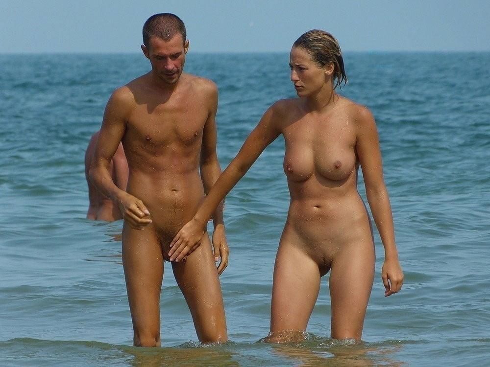 голые семьи на пляже перми стороны