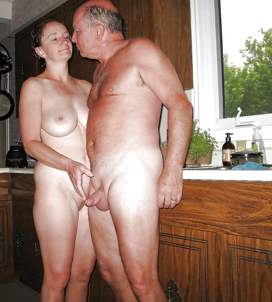 Домашнее порно зрелых мужа и жены