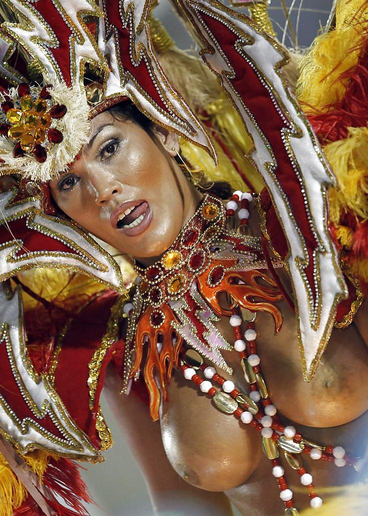 Brazilian carnival 2011 paola - 1 1