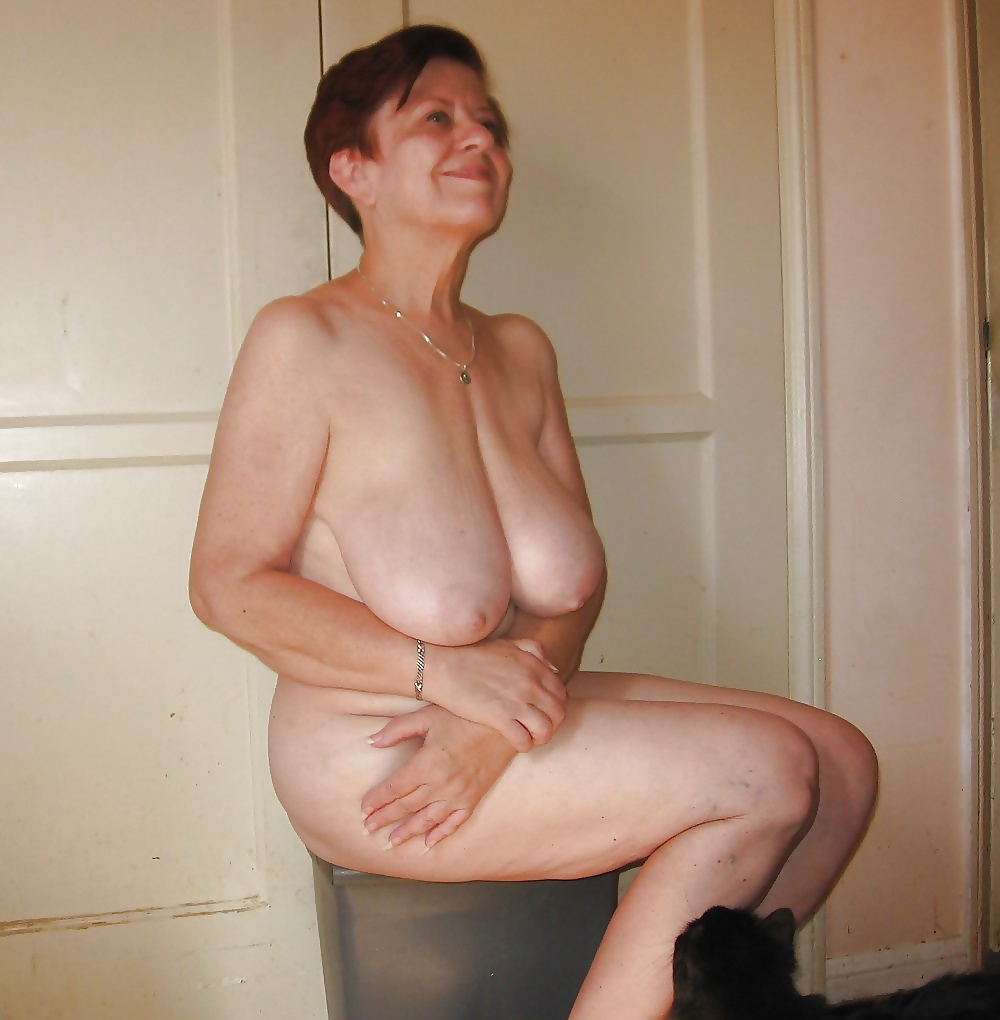 Naked old lady saggy boobs, sexy mature pictures, women porn gallery