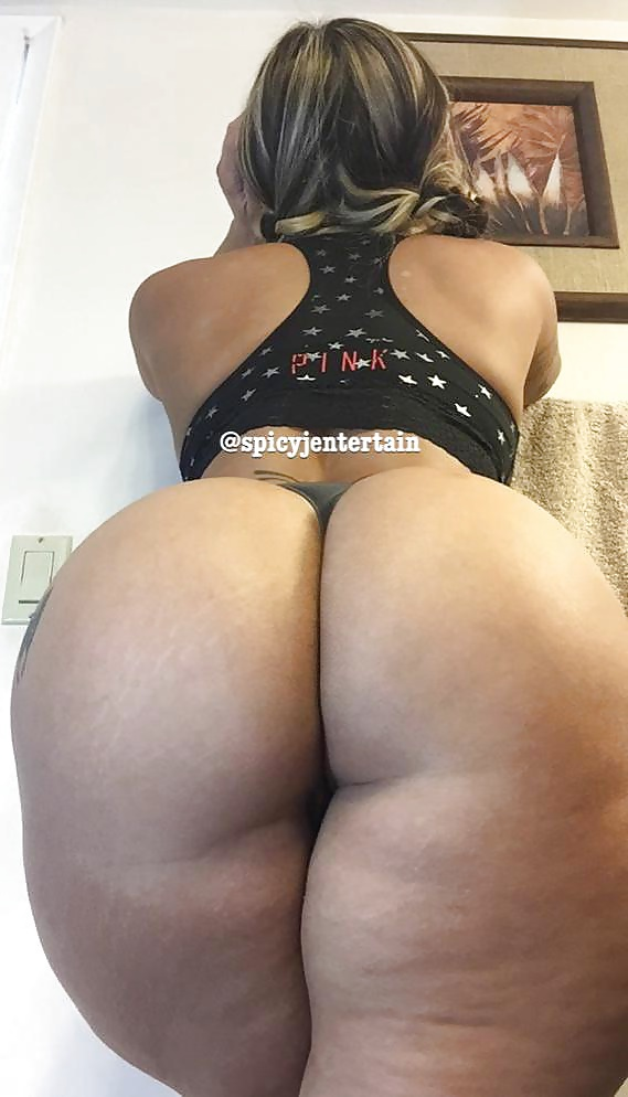 Ebony booty in panties-6363