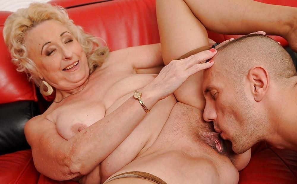 Granny tranny eats cum free sex pics