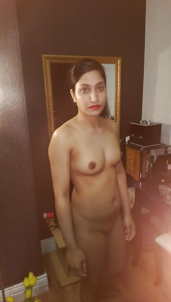 Chica Mumbai con desnudo