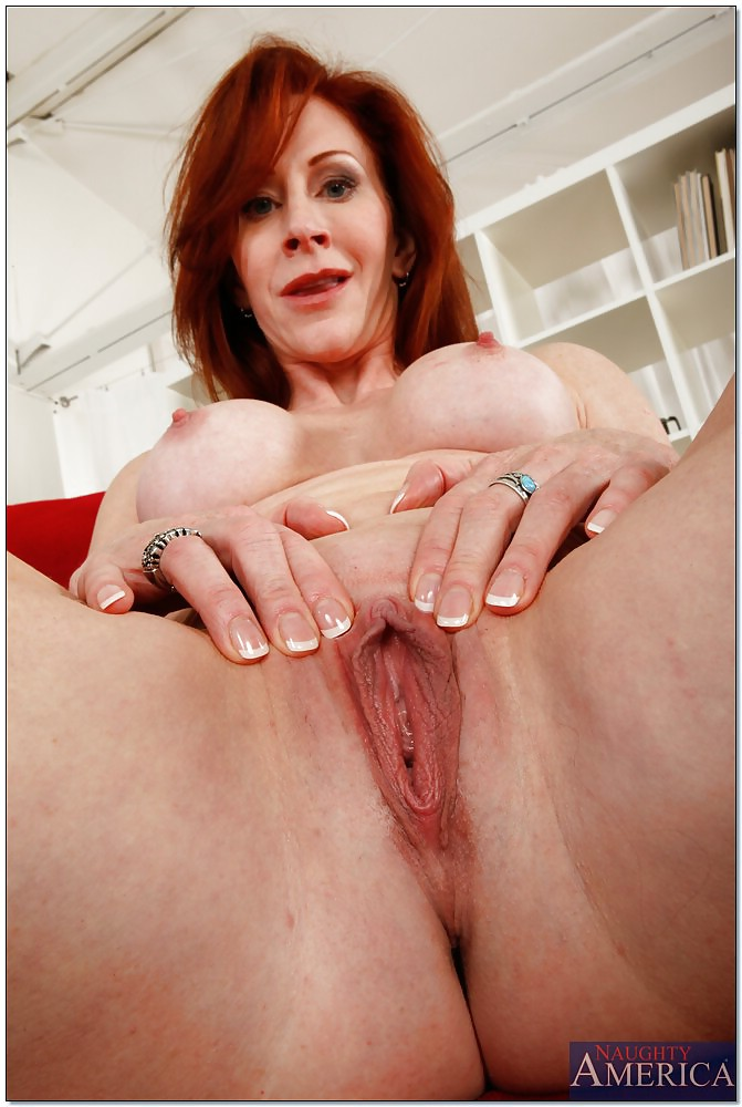 tight-redhead-milf-at-pichunter