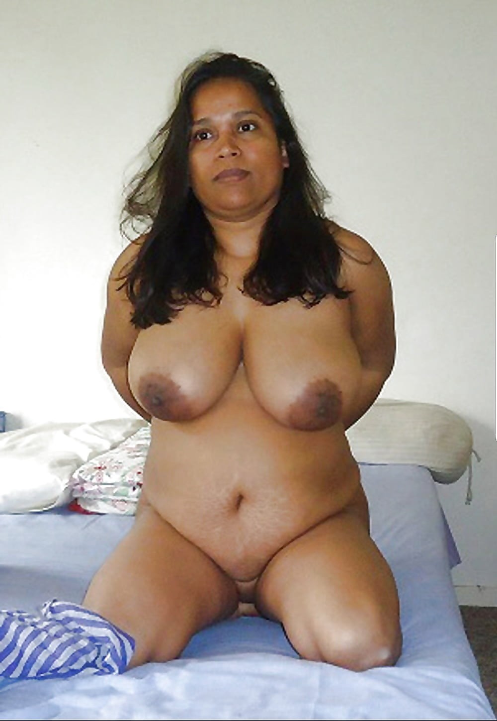 sexy-semi-nude-chubby-desi-boys-rough-sex-hitch-hiker